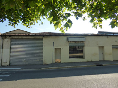 Pertuis à vendre Local commercial de 135 m2 proche d'un parking